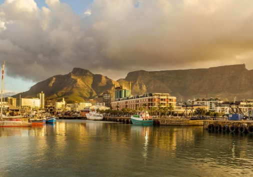 Cape Town Victoria And Alfred Waterfront Harbor, Table Mountain