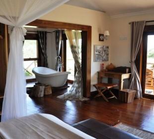 6-Day Luxury Ngorongoro, Lake Manyara and Serengeti Safari