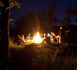8 Days Okavango Delta and Victoria Falls Serviced Camping / PLUS