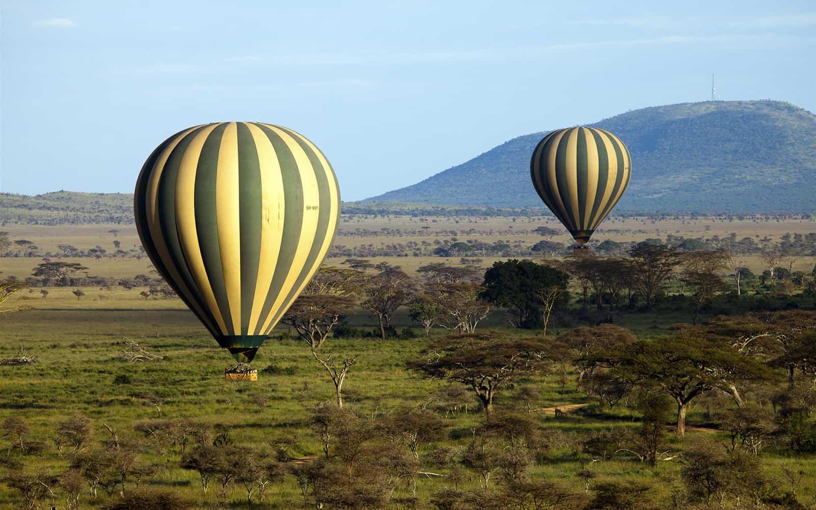 733884hotairballoonserengetitanzaniaeastafricaafrica