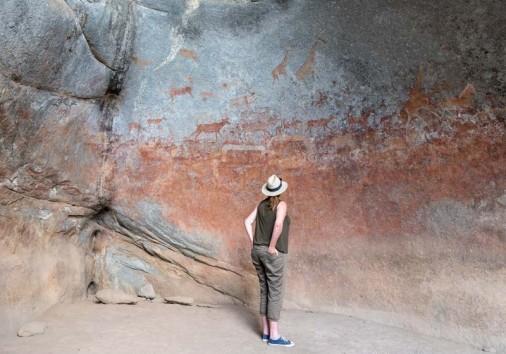 Admirer Rock Paintings Nswatugi Cave Matopos