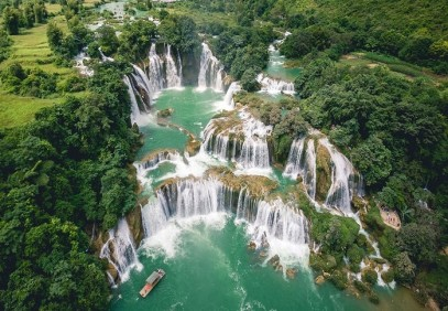 Epic Vietnam Waterfalls & Lakes Tour