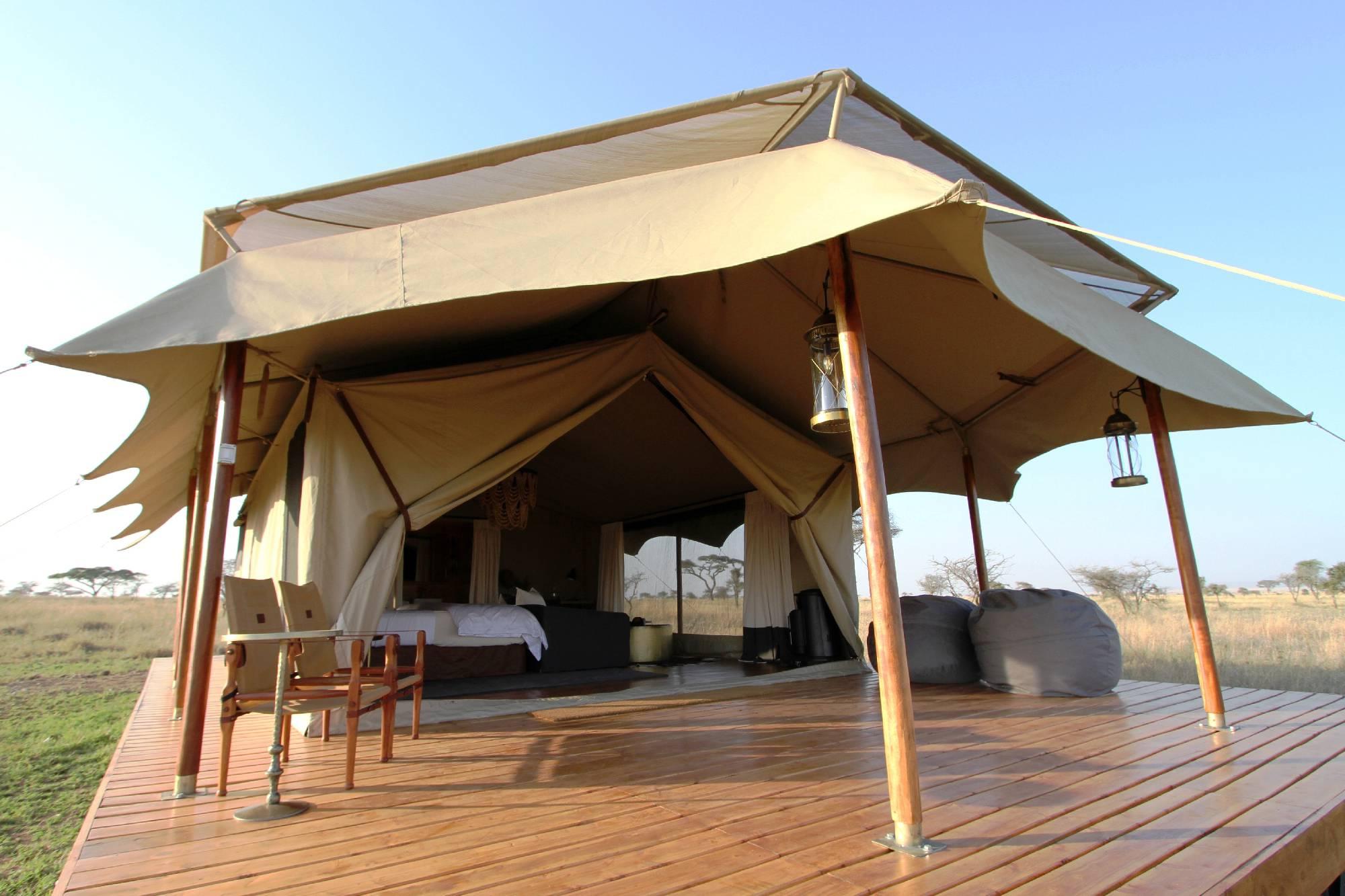 Honeymoon Tent 2 2000x1333