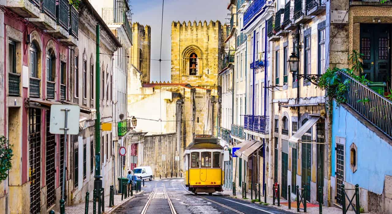 Lisbon Tram Istock Seanpavonephoto.jpg Www