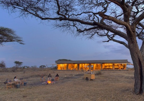 Namiri Plains Sundowners With Main Area
