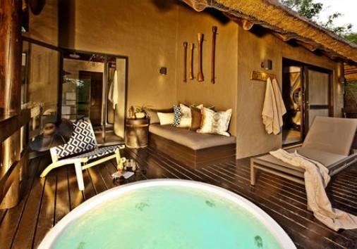 Luxury Suite Heated Spa Bath